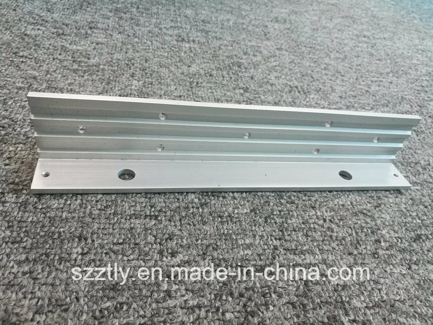 6063 Custom Anodizing Aluminium Extrusion Profile with Machining