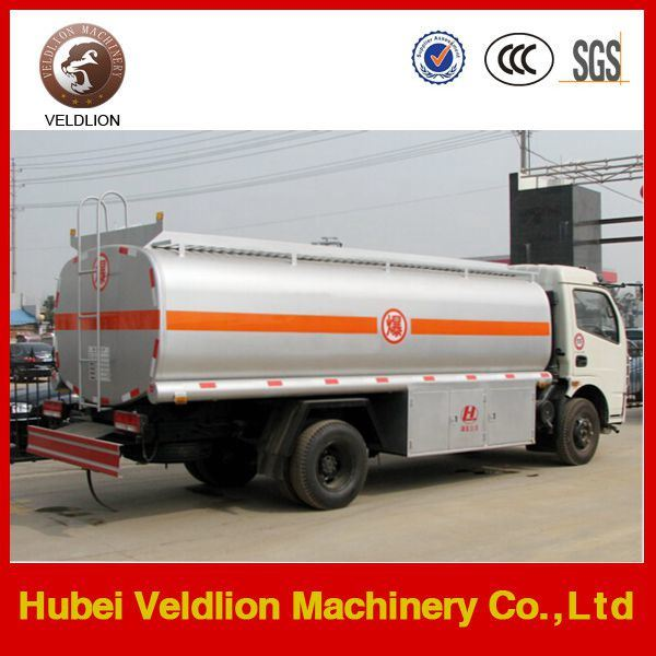 Dongfeng Oil Tank Truck with Refuelling Function