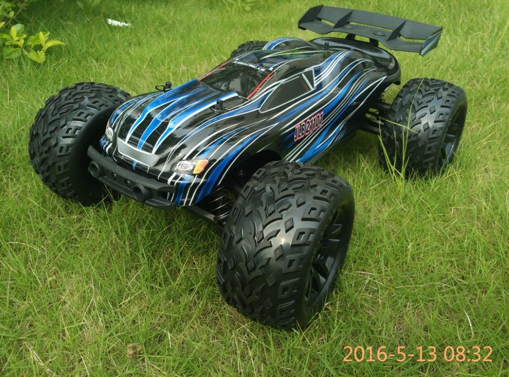 RC off Road Truggy Electric RC Car Model 1/10 Scale 2.4GHz 2 Channel Transmitter Brushless