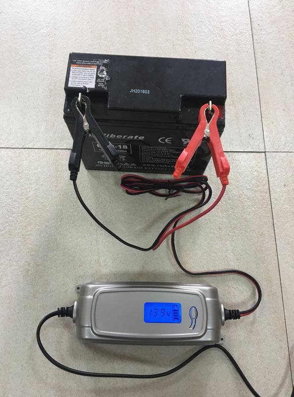 New Smart Battery Charger for LCD Display