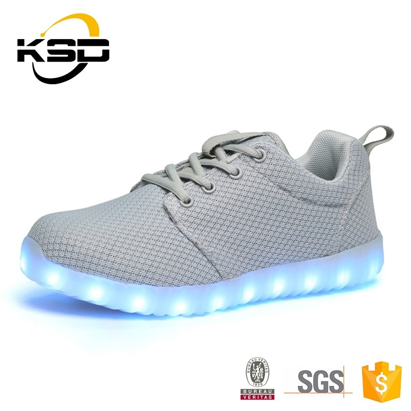 Factory Price Hight Quality Men Shoes Flyknit Ventilate LED Shoes