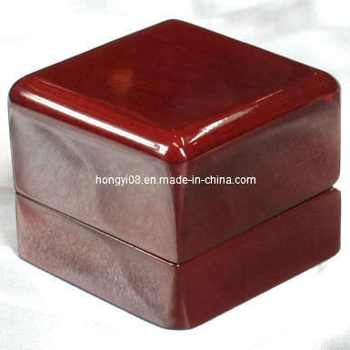 Magnetic High Piano Gloss Red Wooden Ring Box (HYW028)