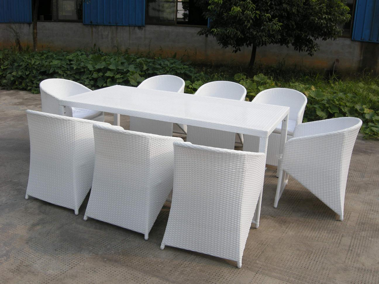 White Patio Table And Chairs White Patio Dining Table And Chairs Furniture Easy Iron Patio