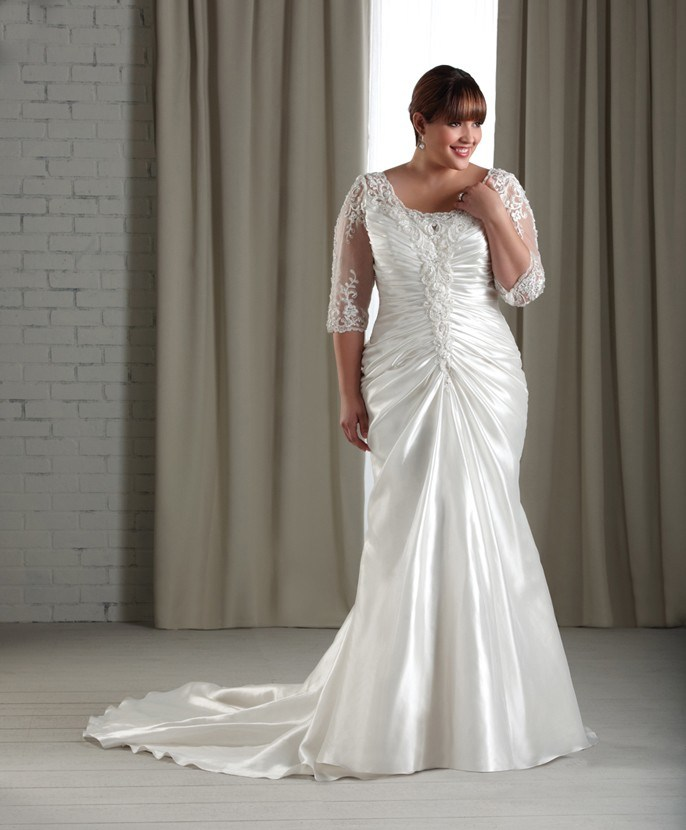 Plus size short wedding dresses for Plus size trumpet wedding dress with sleeves