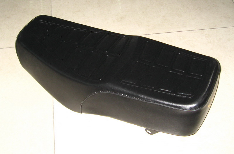 Motorcycle Parts Motorcycle Seat for Suzuki Gn125 Gn125h