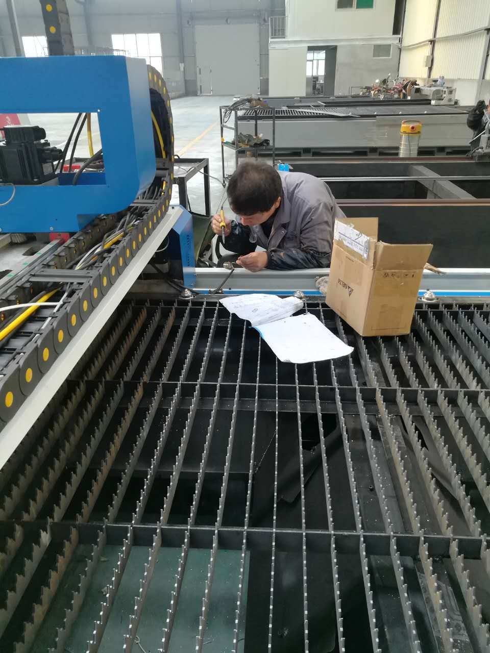 Automatic Fiber Laser Cutting Machine for Steel Metal