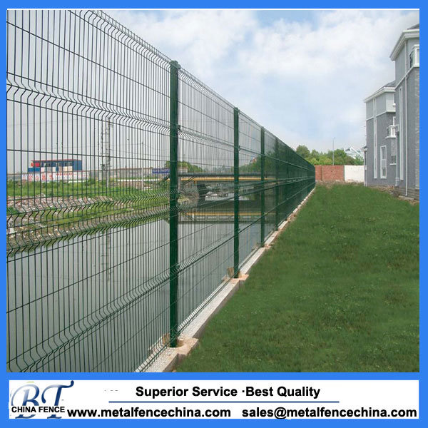 China Green Color Powder Coated Pvc Coated Metal Fence