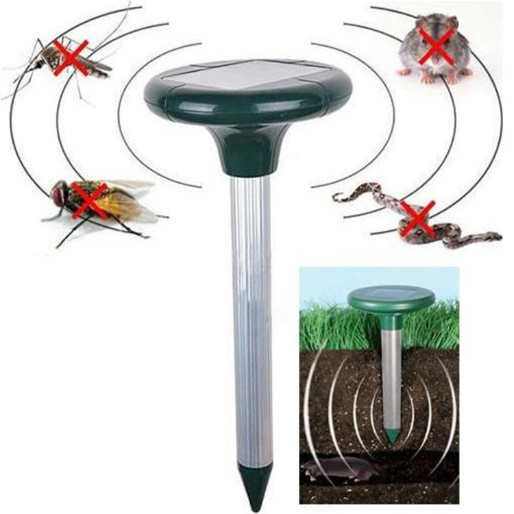 Solar Ultrasonic Pest Repeller Outdoor Snake / Mice Repeller