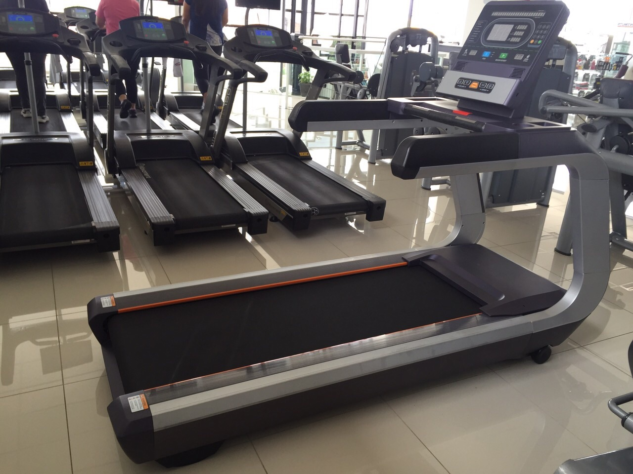commercial treadmill gym design in