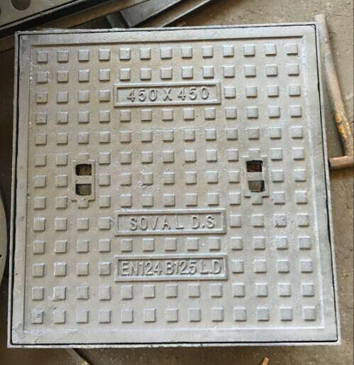 Square Frame Sand Casting Iron Manhole Cover for Light Weight