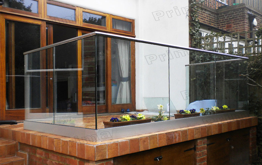 Aluminum U Channel Balcony Railing Design Glass