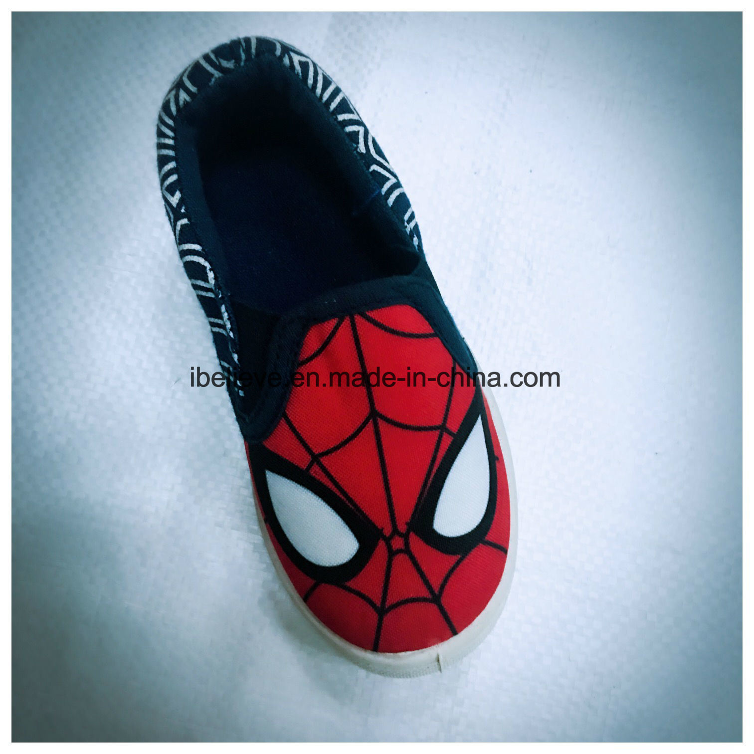 Spider Man Printing Children Footwear with Good Quality and Soft Outsole Comfortable to Walk