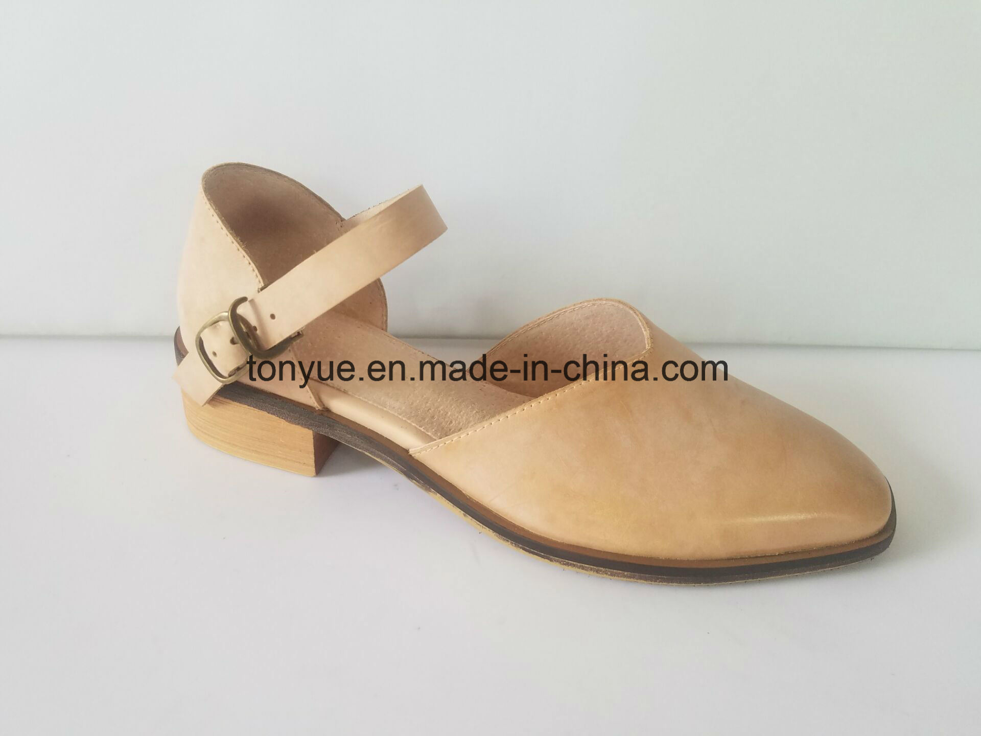 Lady Waxed Leahter Hollow Flat Head and Square Heel Restoring Ancient Ways with Leisure Sandals