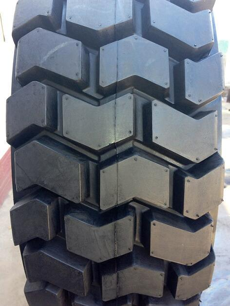 10-16.5 12-16.5 14-17.5 15-19.5 Skid Steer Loader Tire, Bobcat Tire