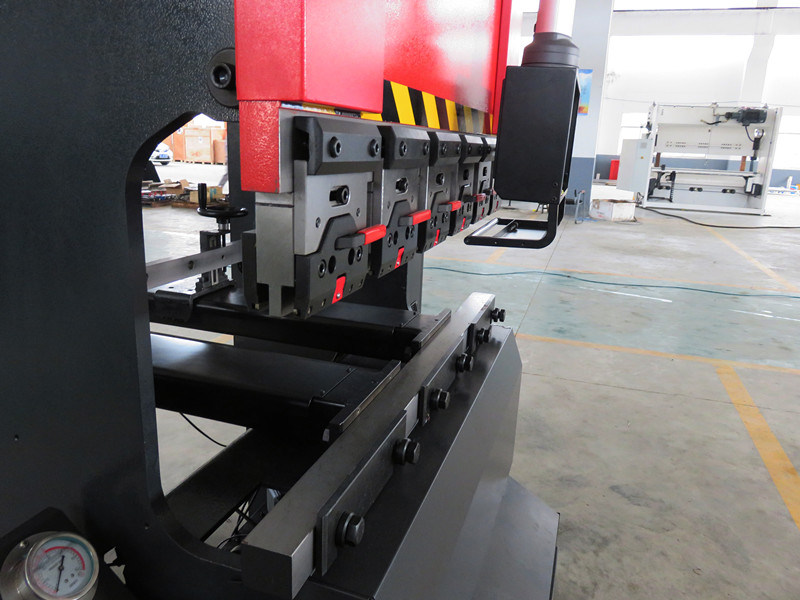 Tr3512 Electro-Hydraulic Servo Sheet Metal Plate Underdrive CNC Bending Machine