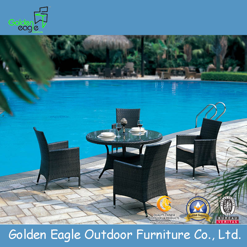 Plastic Aluminum Dining Table and Chairs