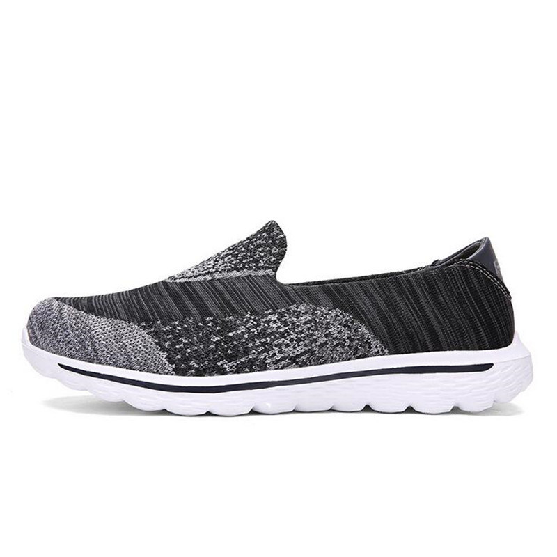 2017 New Casual Sport Shoes, Running Shoes with Style No.: Go Walk-001. Zapato