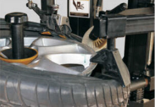 Automatic Touchless Tyre Changer - New Type