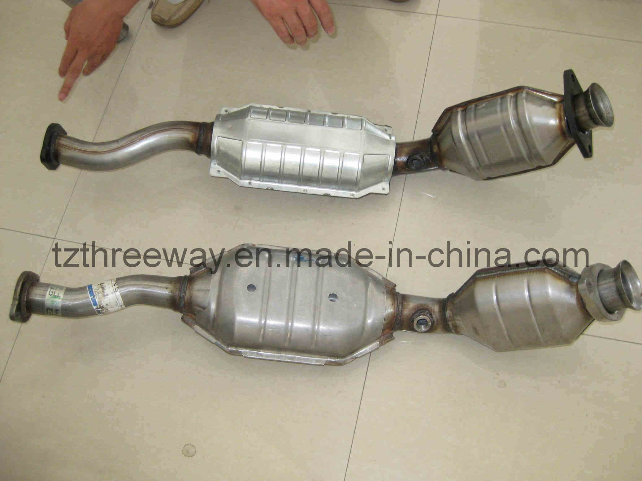 Direct fit catalytic converter for ford american version