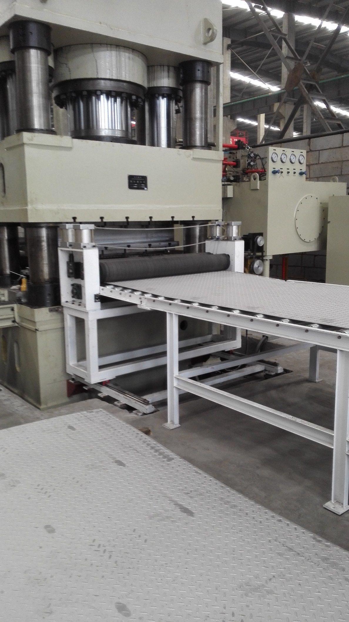 Anti-Slippery Plate Embossing/Stamping Machine