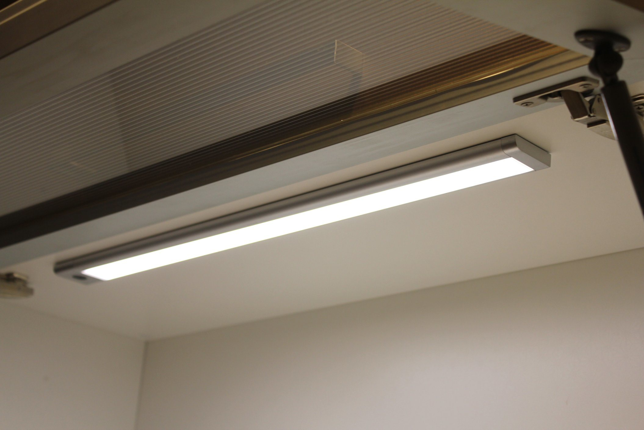 DC12V Sensor LED Cabinet Light or Wardrobe Light