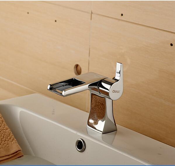 2017 New Design Brass Waterfall Bathroom Faucet