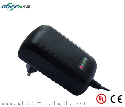4.8V-12V NiMH/NiCd Battery Charger