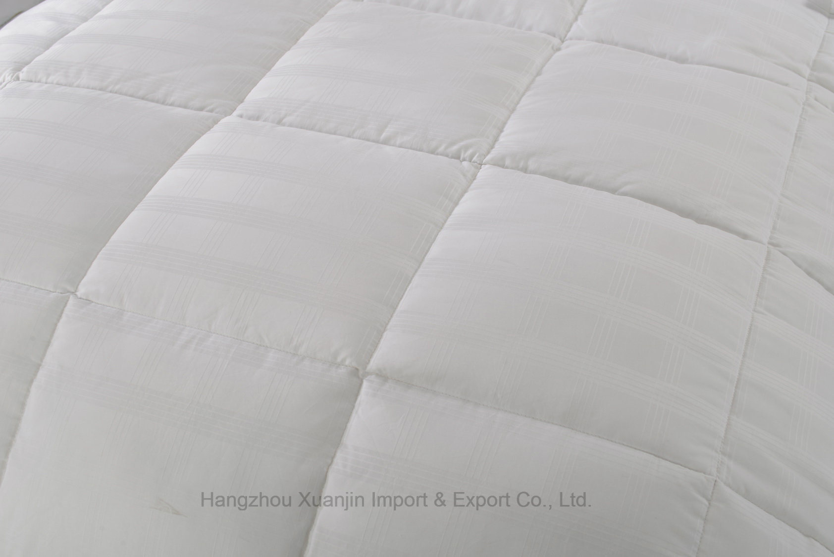 Downproof Cotton Fabric Soft Microfiber Filling Quilt