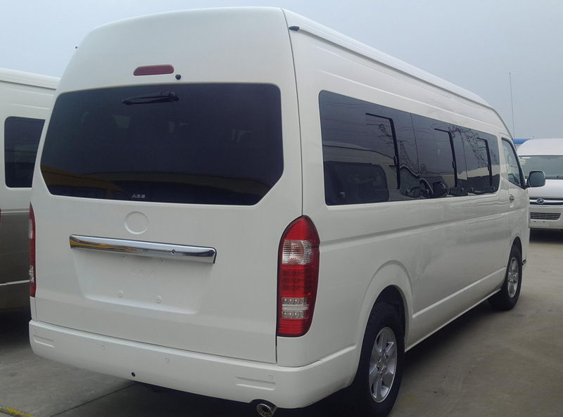 6m Diesel Hiace Commercial Van with 18 Seats