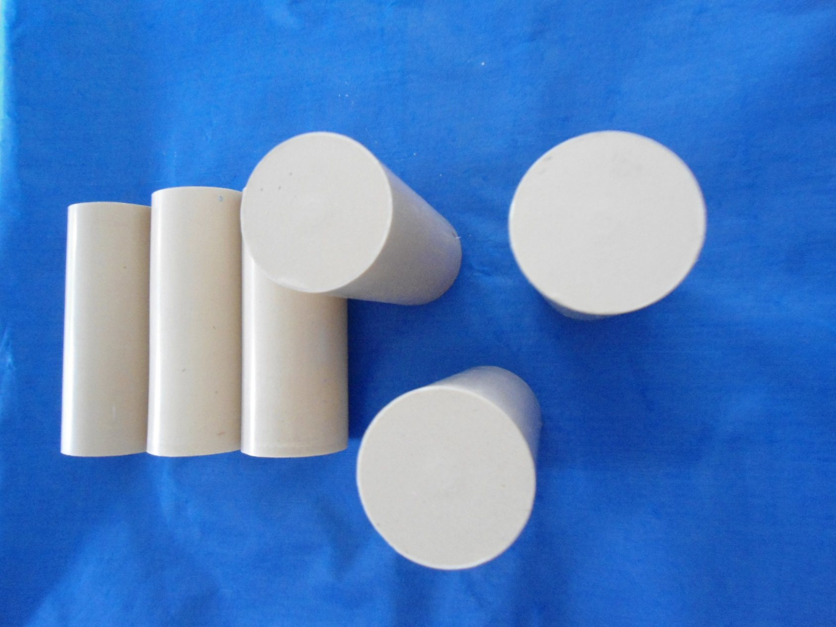 Processing Engineering Plastic Rod Materials