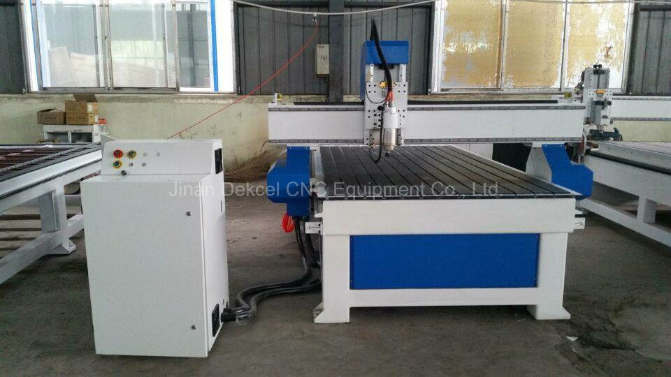 CNC Router Engraving Machine Used on Woodworking and Advertising