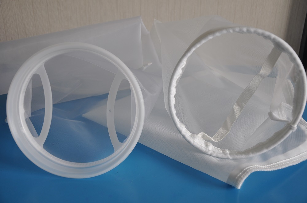 Welded Liquid Filter Bags Made of Filter Meshes and Filter Felts