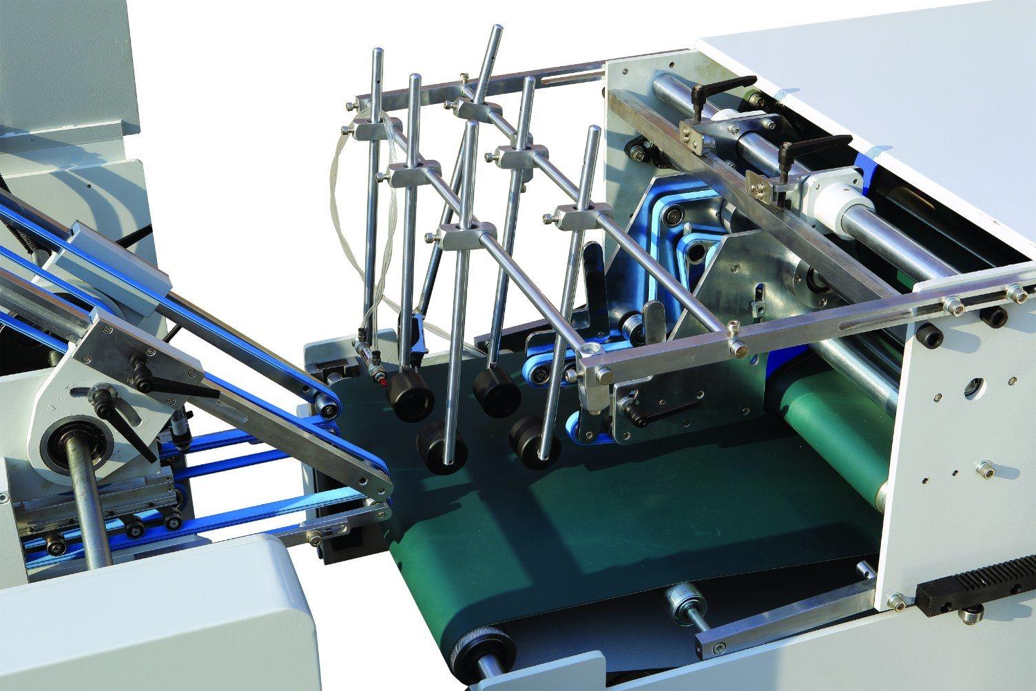 Xcs-800PC Lock Bottom Prefolding Gluing Machine