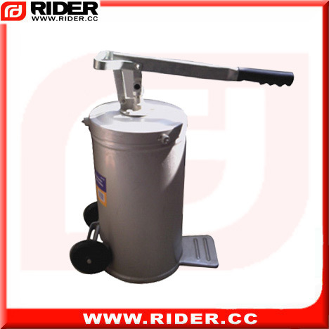 16L Wheel-Mounted Manual Oil Pump Oil Dispenser