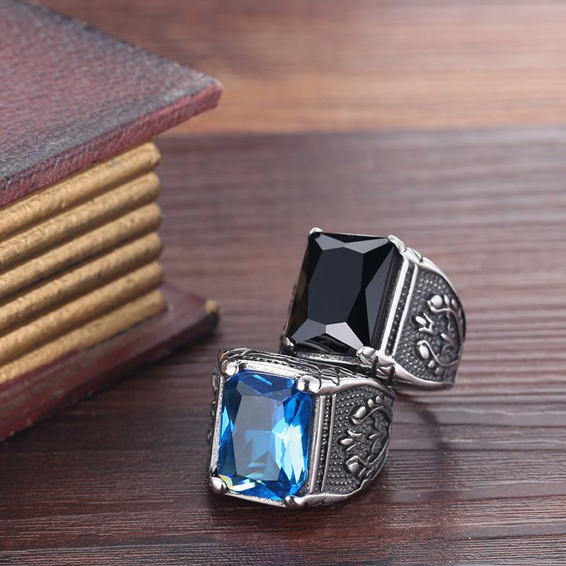 Fashion Vintage Retro Inlaid Sapphires Titanium Stainless Steel Skull Men Band Ring Jewelry