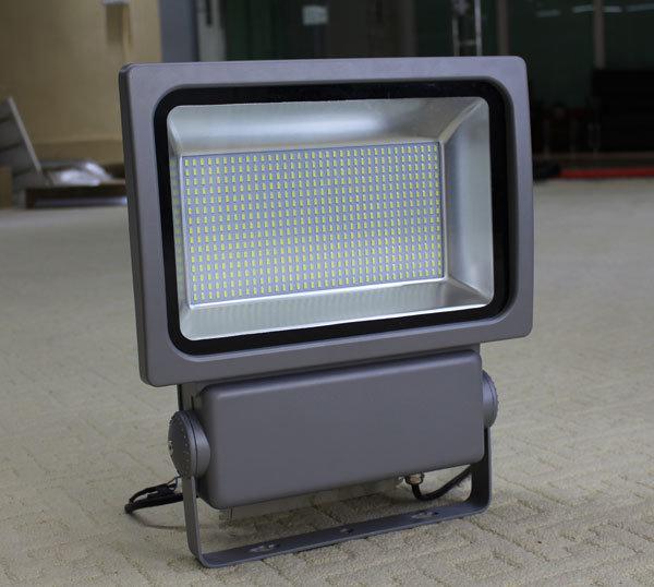 Rayborn 200 Watts SMD 5730 Floodlight Outdoor LED Spotlight 200W