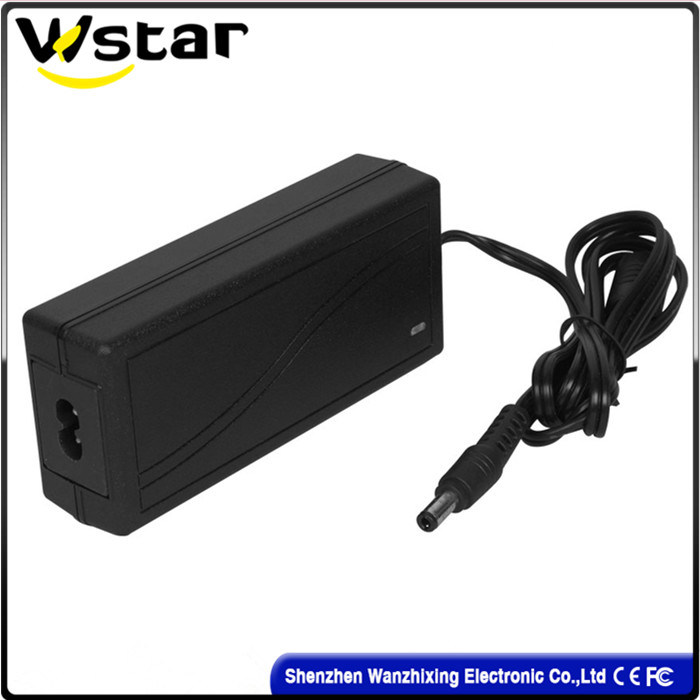 Wholesale 12V 2500mA Adaptor/External Laptop Battery Charger