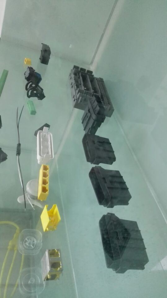 2015 High Quality OEM Custom Injection Plastic