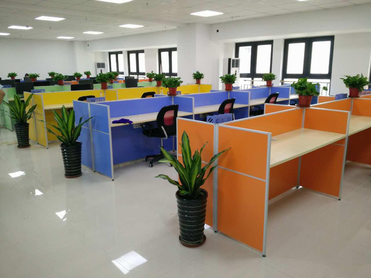 Modern Aluminum Glass Wooden Cubicle Workstation / Office Partition (NS-NW157)
