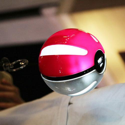 10000mAh External Battery Pokeball Power Source/Bank with Pokemon Go Design/Flashlight