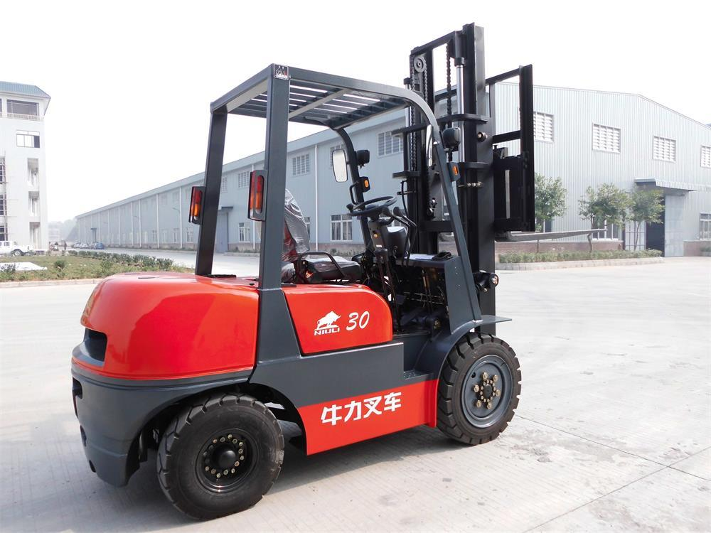 3t Diesel Forklift with Isuzu Engine and Side Shifter