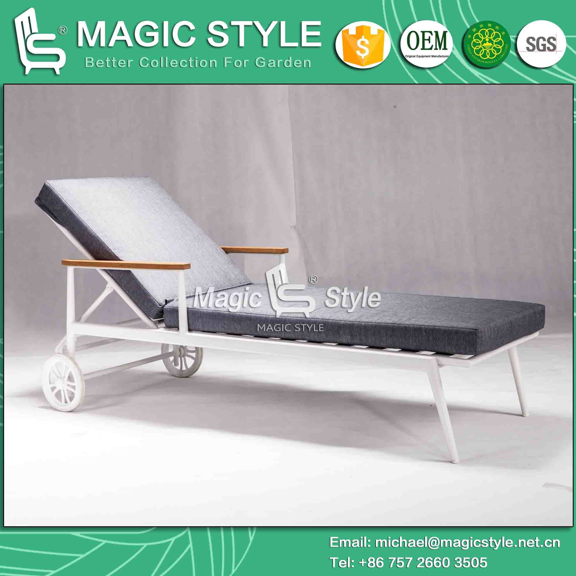 Outdoor Aluminum Sunlounger with Cushion Hotel Project Sunbed for Garden