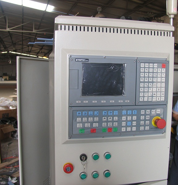 Table-Moving CNC Machine of Woodworking CNC Router (XE1325)