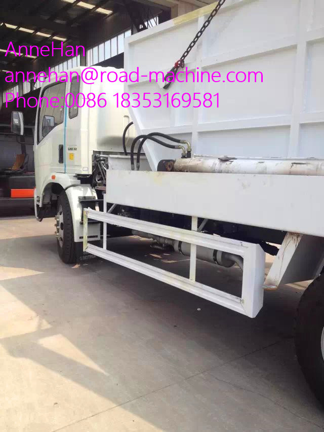Euroiii 4X2 HOWO Brand Light Hork Arm Garbage Truck 5m3 190HP