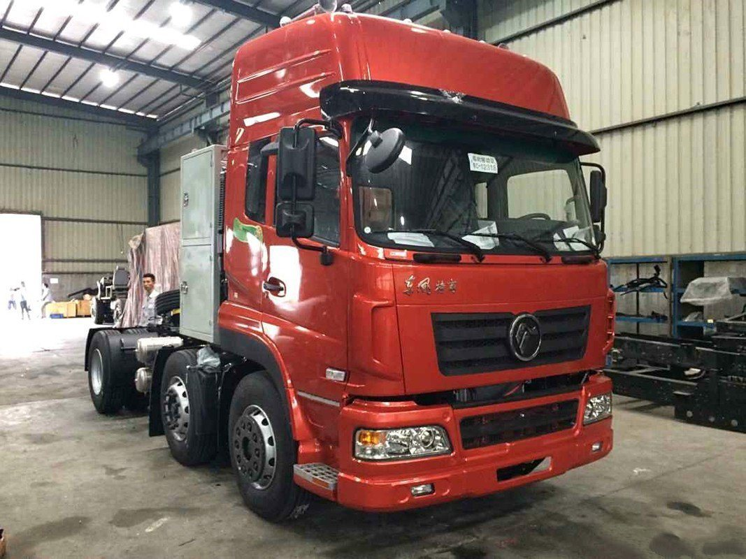Dongfeng/Dfm/DFAC Dalisheng LNG 6X2 Heavy Tractor/Tractor Head/Heavy Prime Mover/Tracor Truck