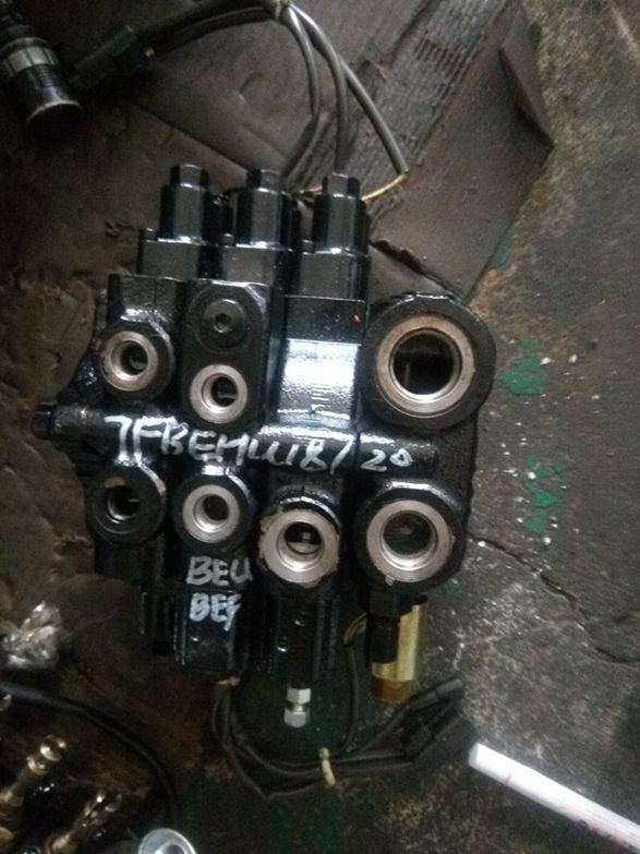 Additional Parts Used for Toyota 7f/8f Hydraulic Control Valve