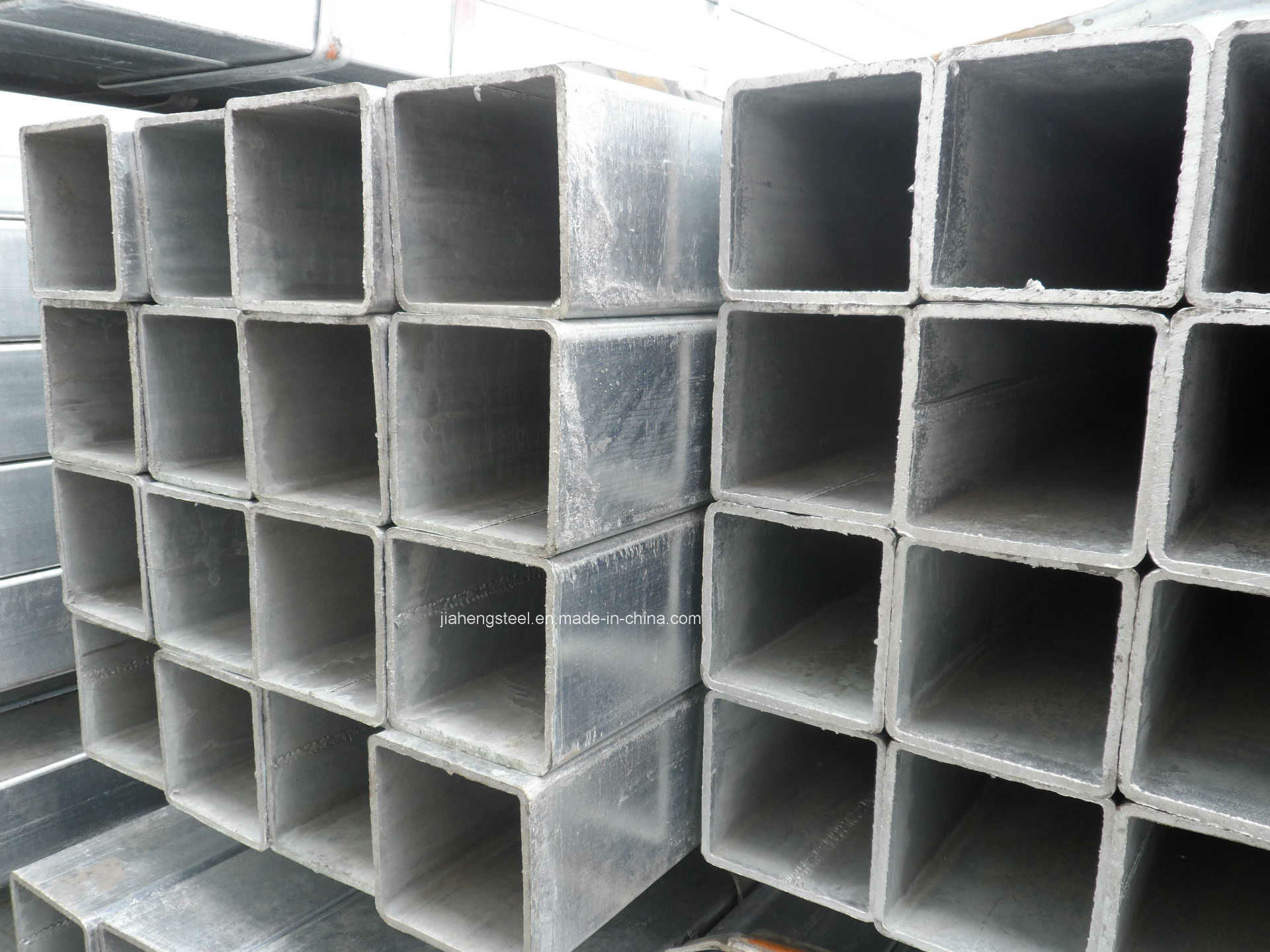 Square and Rectangular Steel Pipe with Good Price Made in China