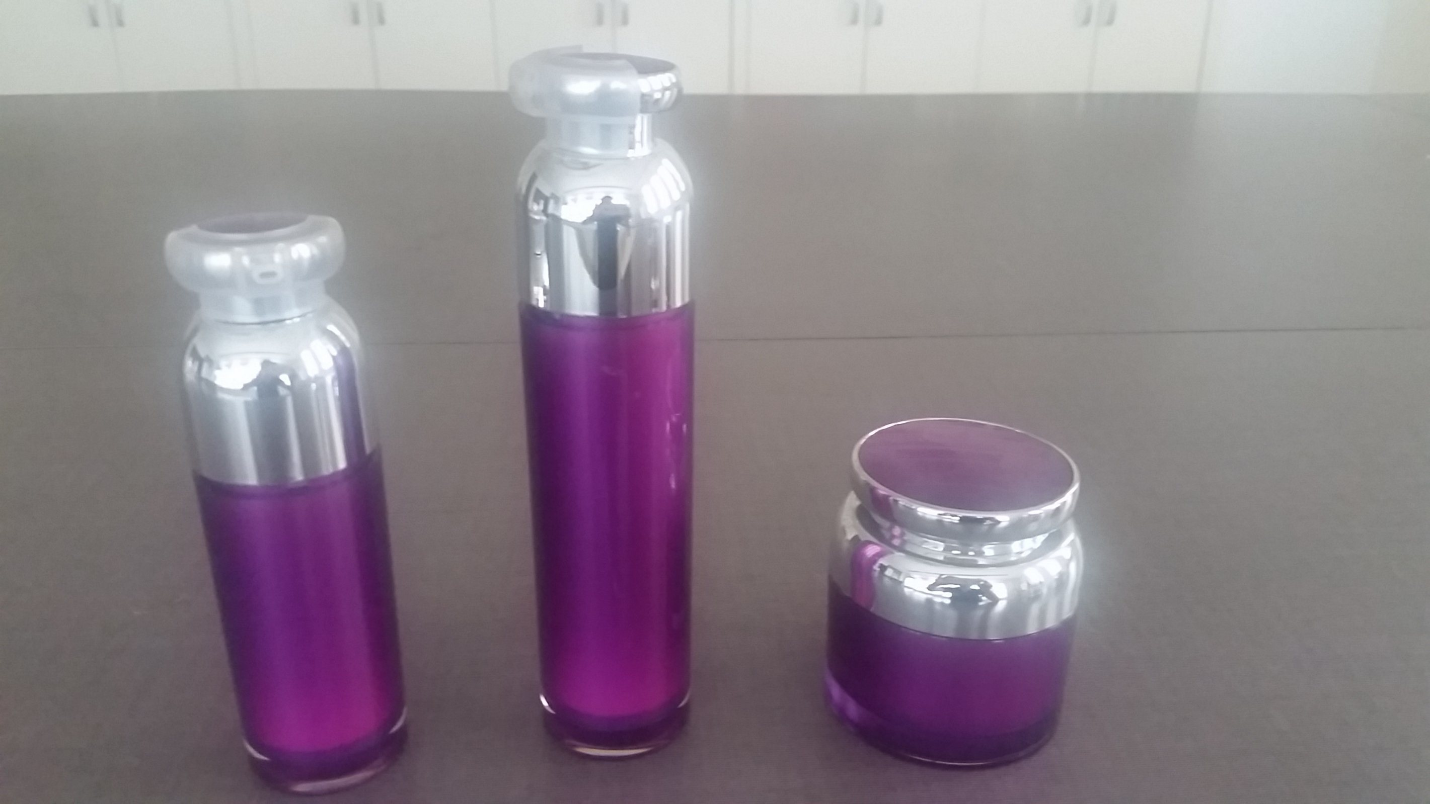 Qf-A3928 Airless Bottle Plastic Vacuum Bottle
