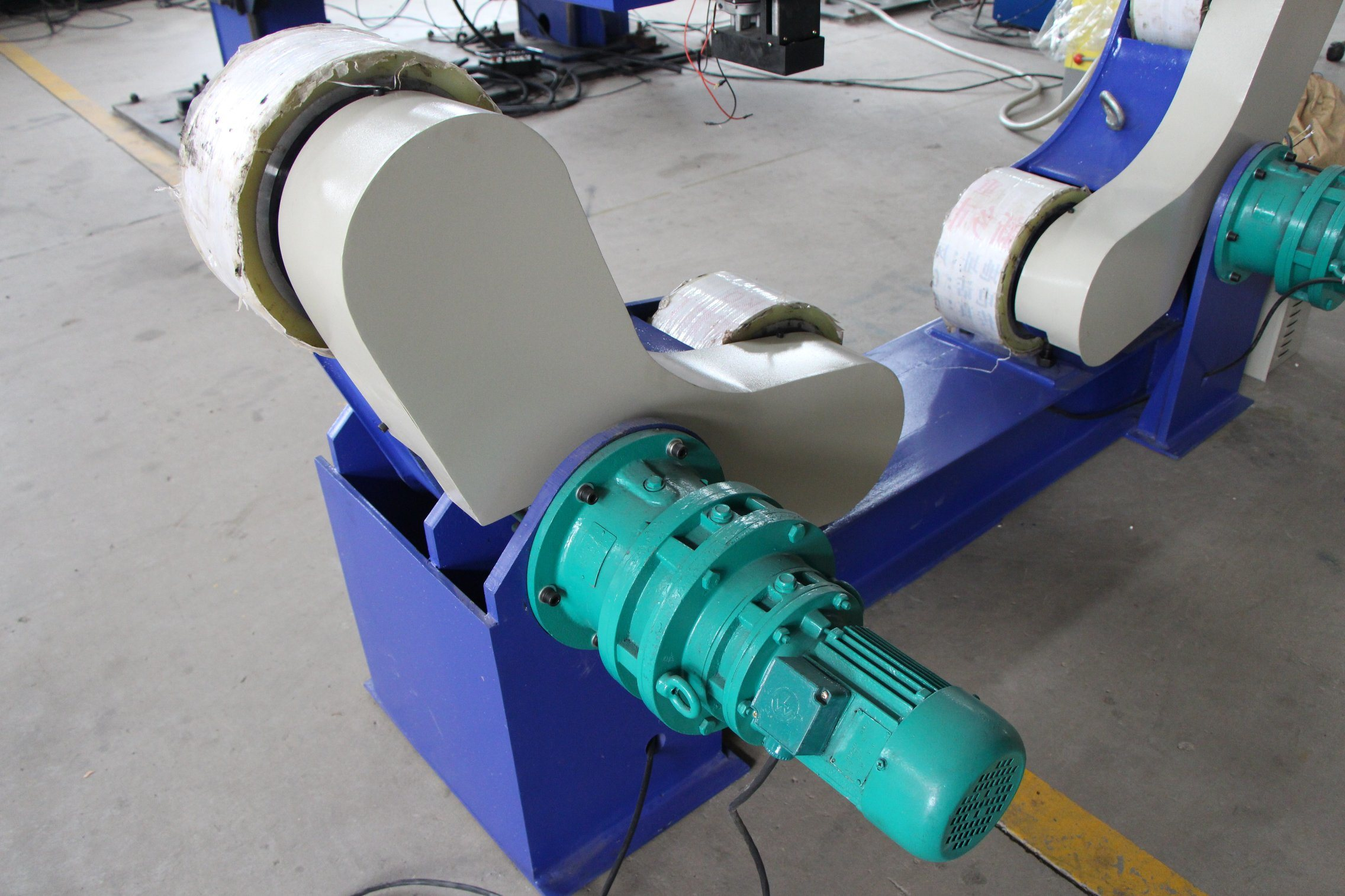 Self-Adjusting Welding Rotator for Automatic Welding Machine