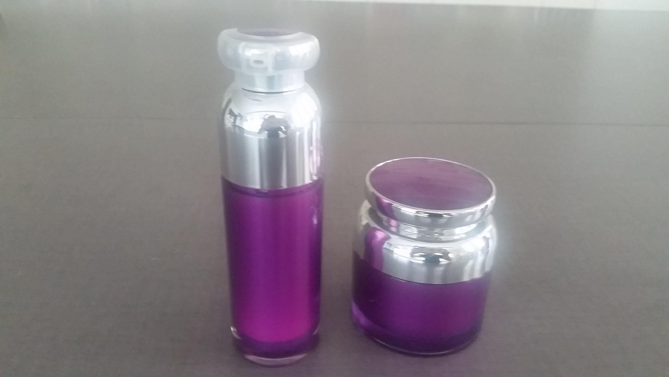 Qf-A3928 Airless Bottle Plastic Vacuum Bottle
